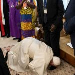 Amid Coup In Sudan, Pope Francis Kisses Feet Of South Sudan's Rival Leaders For 'Peace' [Photos/Video] 28