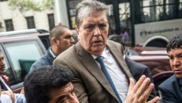 Former Peru President Alan Garcia is dead after shooting himself to prevent arrest over bribery allegations 6