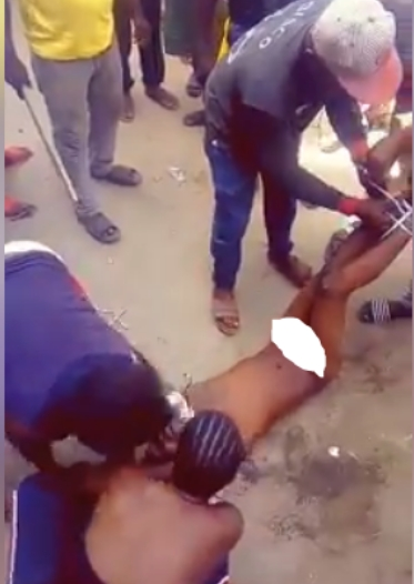 Young Man Striped Naked And Beaten Mercilessly By Ladies For Defecating in Public [Photos] 2