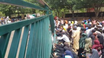 Shi'ites Members Breaks Into National Assembly, Chases Armed Policemen Away [Video] 8