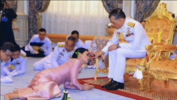 Thailand King Marries His Long-time Bodyguard In Surprise Wedding Ahead Of Coronation [Photos] 1