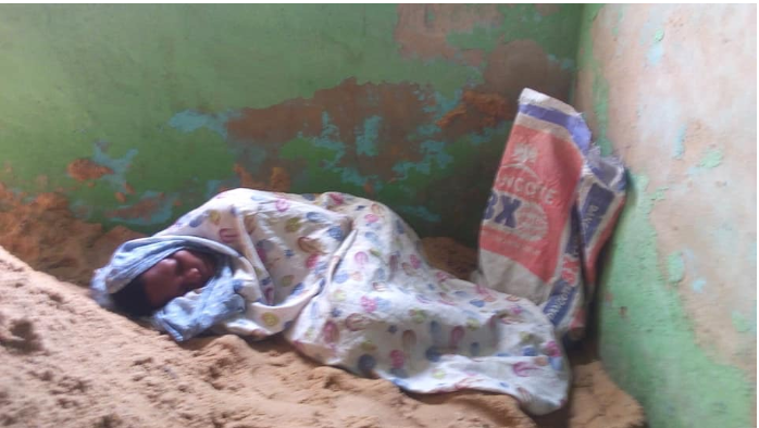 Girl Gets Pregnant For Aunt's Customer, Sleeps In Uncompleted Building [Photos] 3