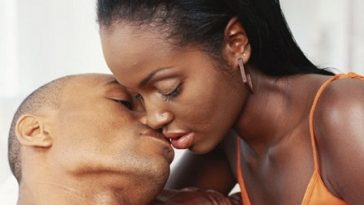 Kissing Passionately With Tongues May Give You Gonorrhea - New Research Reveals 3