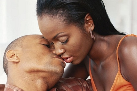 Kissing Passionately With Tongues May Give You Gonorrhea - New Research Reveals 1