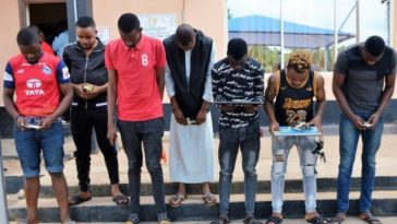 Suspected Yahoo Boys Unleash Dangerous Attack Dogs On EFCC Operatives In Ibadan 1