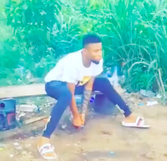 """Young Man Runs Mad After Smoking """"Synthetic Weed"""" in Lagos [Photos/Video] 1"""