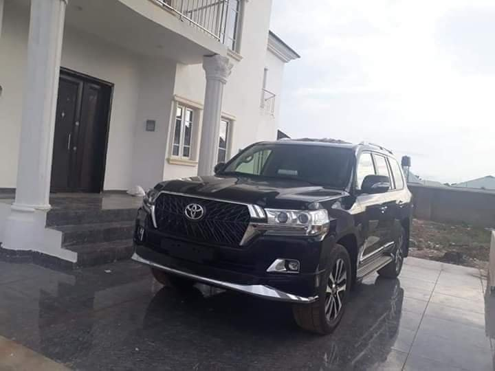 Rochas Okorocha Present Brand New Houses, Suv Cars To Former Governors Of Imo State [Photos] 3