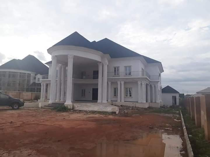 Rochas Okorocha Present Brand New Houses, Suv Cars To Former Governors Of Imo State [Photos] 4