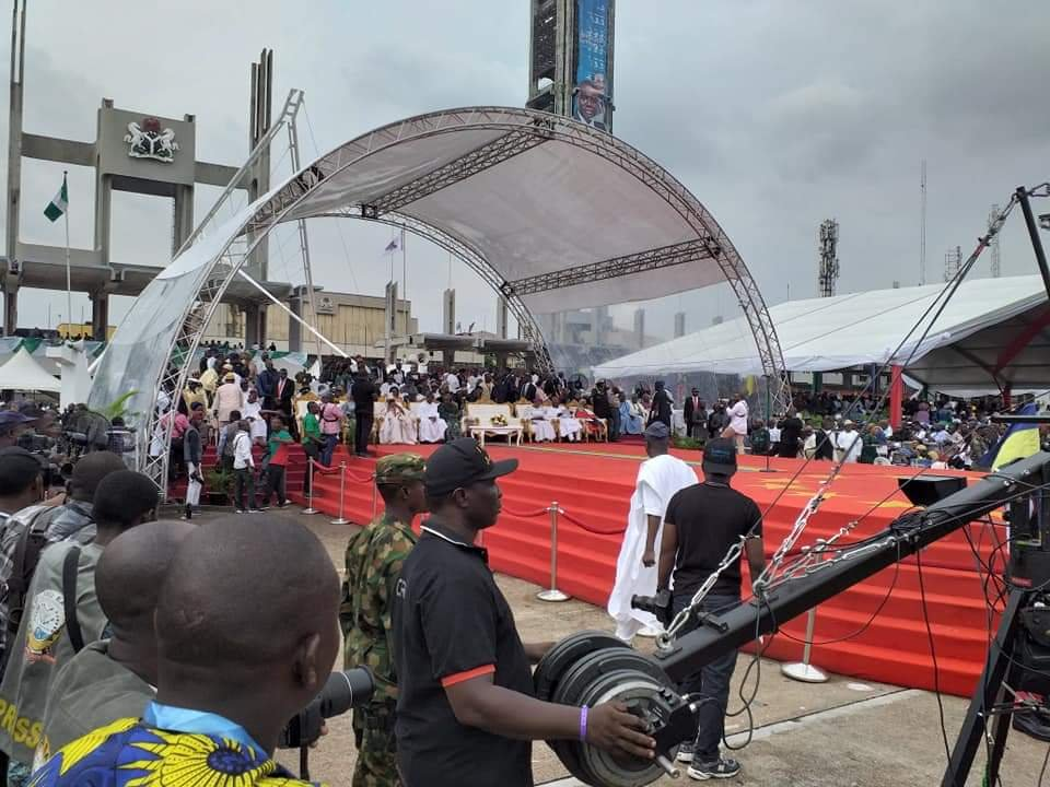 PHOTONEWS: Babajide Sanwoolu arrives for his Inauguration as the new governor of Lagos State 8