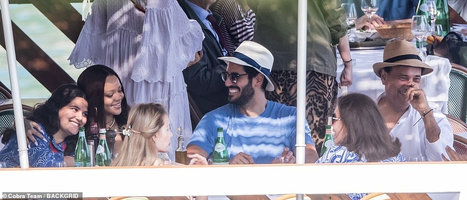 Rihanna Enjoys Romantic Boat Trip With Billionaire Boyfriend Hassan Jameel In Italy [Photos] 2