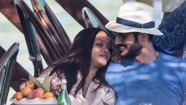 Rihanna Enjoys Romantic Boat Trip With Billionaire Boyfriend Hassan Jameel In Italy [Photos] 4