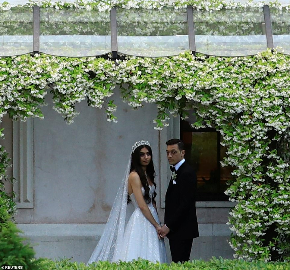 Arsenal Star Mesut Ozil Marries In Istanbul, With Turkish President Erdogan As His Best Man [Photos] 3