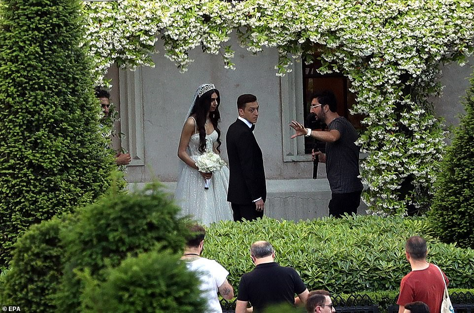 Arsenal Star Mesut Ozil Marries In Istanbul, With Turkish President Erdogan As His Best Man [Photos] 4