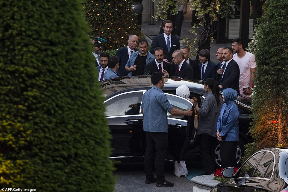 Arsenal Star Mesut Ozil Marries In Istanbul, With Turkish President Erdogan As His Best Man [Photos] 5
