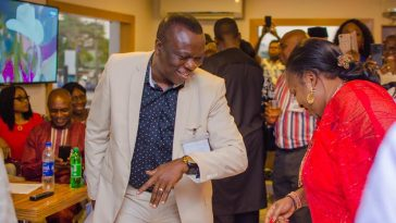 35-Years Later, Man Finally Gets To Dance With The Lady That Snubbed Him In OAU [Photos] 7