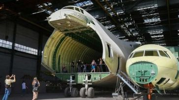 World's Biggest Plane May Finally Be Finished After 30 Years Of Construction [Photos] 3
