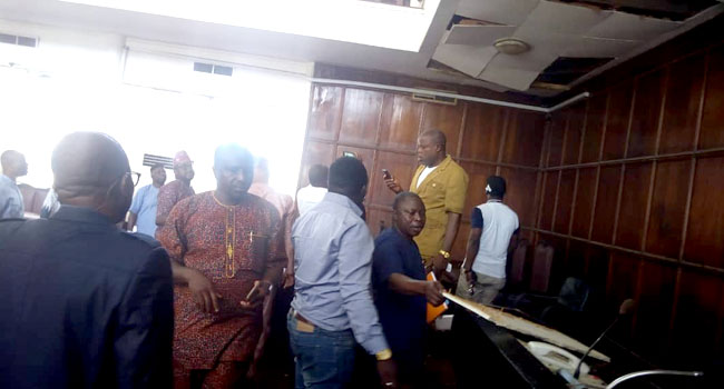 Pandemonium Among Lawmakers As Snake Falls From Roof, Disrupts Ondo Assembly During Plenary 1