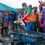 IMO: Governor Ihedioha Joins Clean Up Excecise In Owerri [Photos] 27