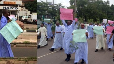 Father Mbaka, Catholic Priests Protests Against Killing Of Colleague By Fulani Herdsmen 2