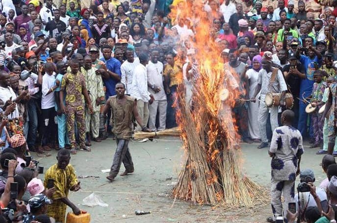 Masquerade Comes Out Unhurt After Being Set Ablaze During Festival In Ogun [Video] 1