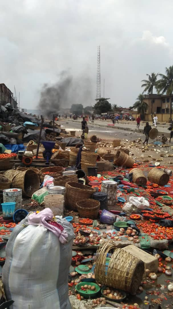 Two People Killed, Many Others Injured As Yoruba And Hausa Youths Clash In Lagos Market [Photos/Video] 3
