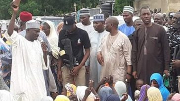 Borno Governor Uses Qur'an To Place Curse On Anyone Who Diverts Food, Aids Meant For IDPs 7