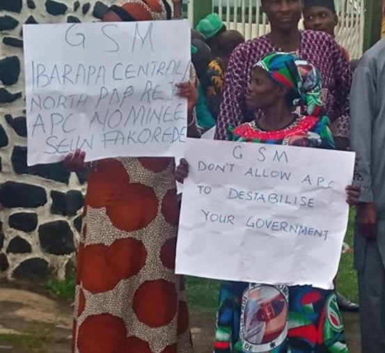 Oyo Elders Protest Against Having 27-Years-Old As Commissioner For Youth Affairs 3