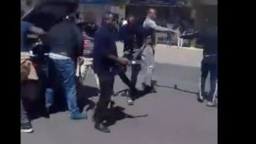 Xenophobia: Nigerians In South-Africa Arm Themselves With Cutlasses, Threaten To Retaliate [Video] 2