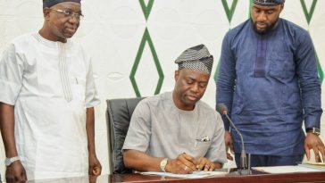 OYO: Gov Makinde Reduces Ajimobi's 'Unrealistic' Budget From N285 billion To N103bn 9