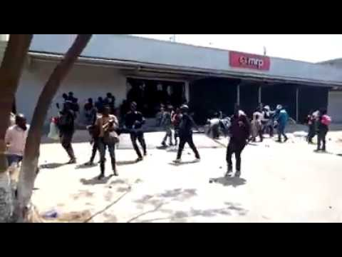 Xenophobic Attack: Congolese Loots Mr Price, South African-Owned Company In DR Congo [Video] 1