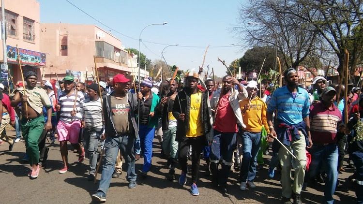 Xenophobia: Armed South Africans Chant 'Foreigners Must Go' In Fresh Protest [Video] 1