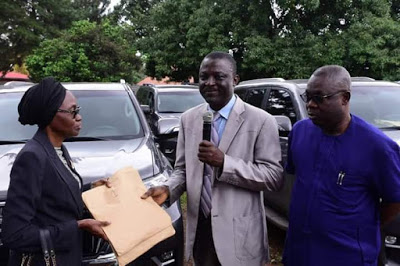 Governor Akeredolu Buys 16 Brand New Toyota Prado Jeep For All Judges In Ondo [Photos] 2