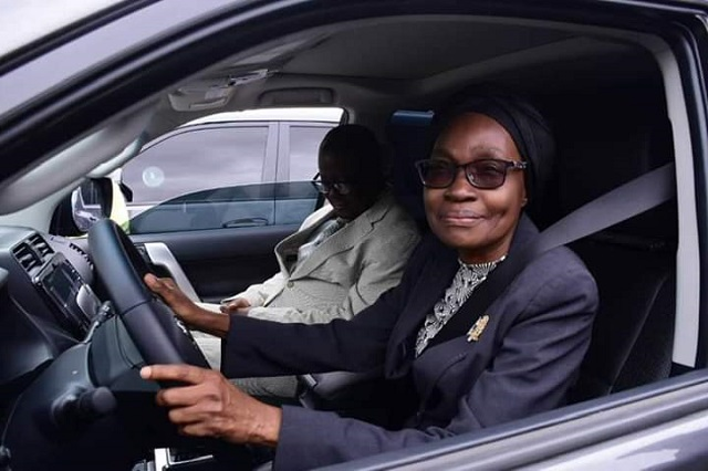 Governor Akeredolu Buys 16 Brand New Toyota Prado Jeep For All Judges In Ondo [Photos] 1