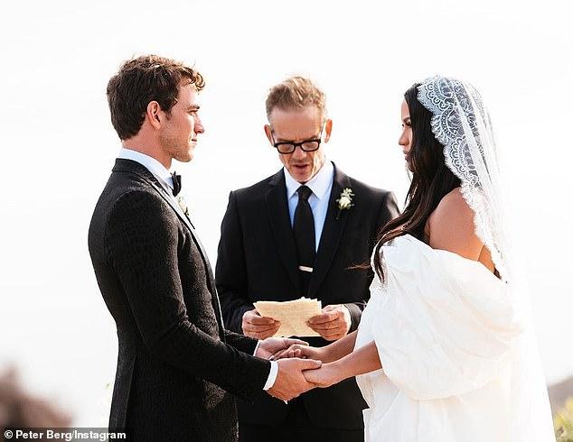Diddy's Ex-Girlfriend, Cassie Secretly Marries Alex Fine In Beautiful Malibu Wedding [Photo] 1