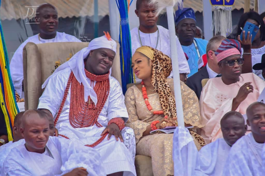 Ooni Of Ife And His Prophetess Wife Worship Idols At The Olojo Festival In Osun [Photos] 2