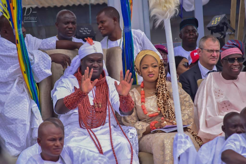 Ooni Of Ife And His Prophetess Wife Worship Idols At The Olojo Festival In Osun [Photos] 6