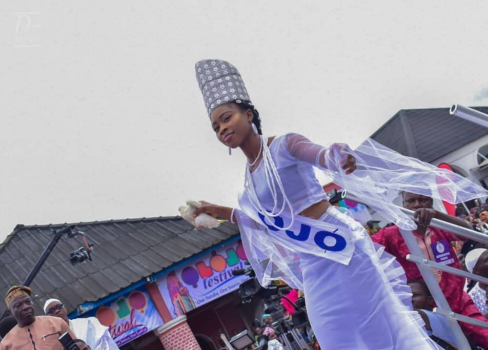Ooni Of Ife And His Prophetess Wife Worship Idols At The Olojo Festival In Osun [Photos] 7