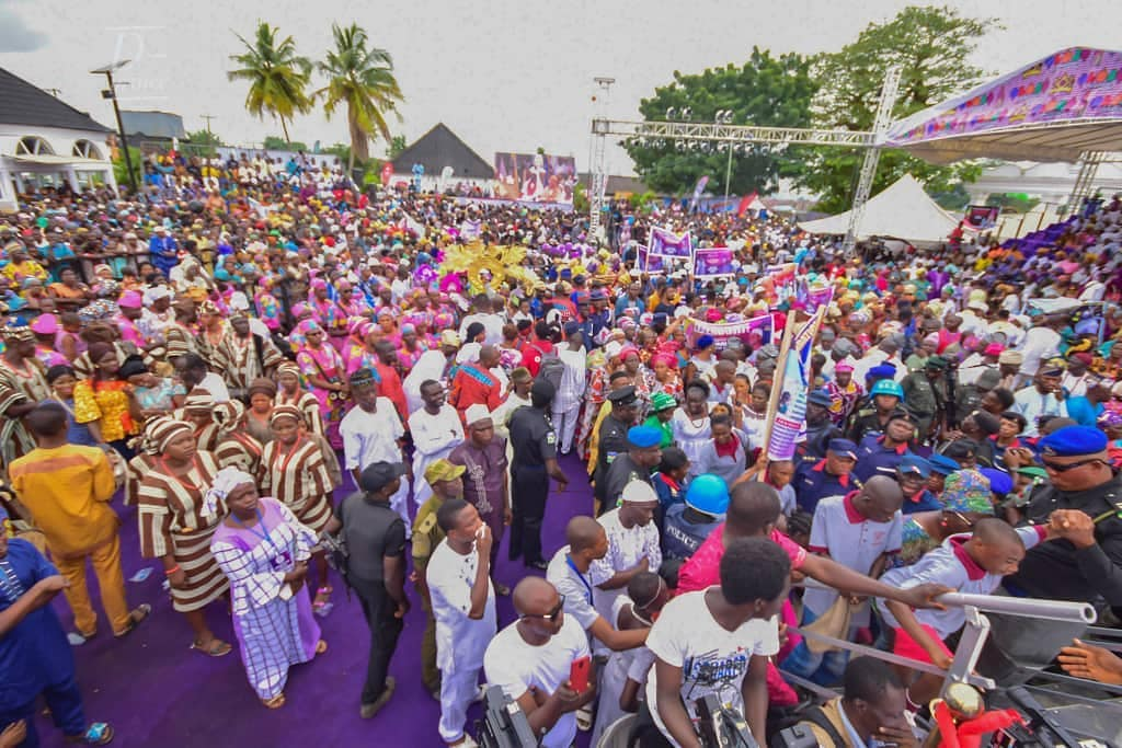 Ooni Of Ife And His Prophetess Wife Worship Idols At The Olojo Festival In Osun [Photos] 12