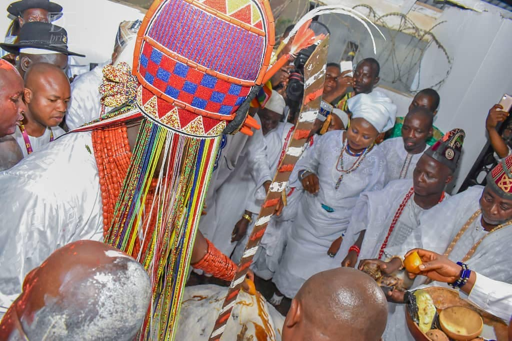 Ooni Of Ife And His Prophetess Wife Worship Idols At The Olojo Festival In Osun [Photos] 26