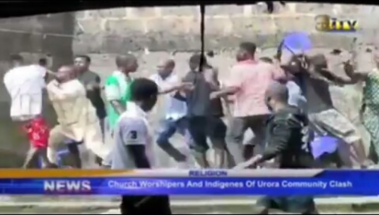 Traditional Worshipers Beat Up Pastor For Disobeying Their Order To Stop Church Service [Video] 1