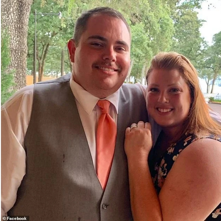 Man Robs Bank A Day Before His Wedding To Pay For Ring And Venue, But Fiancée Turns Him In 2