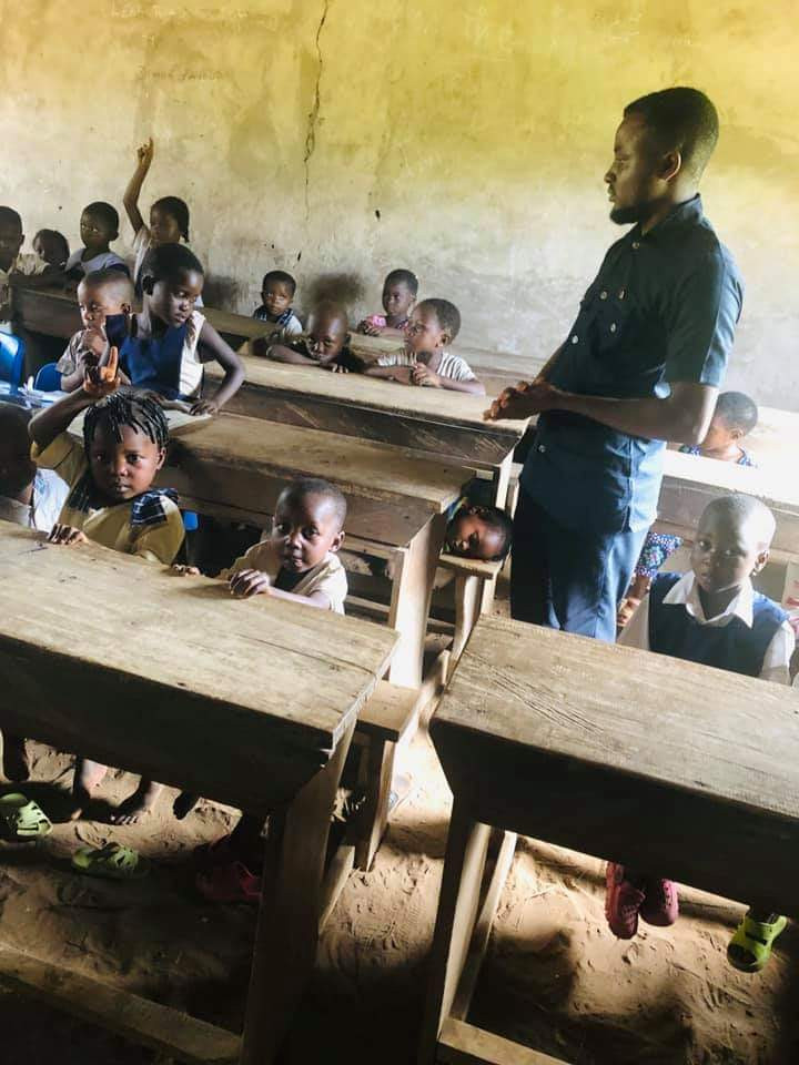 Photos Of Cross River Primary School Where Pupils Learn Under A Thatched Hut 3