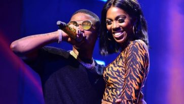 Wizkid Holds Tiwa Savage's Bum, Kisses Her On Stage During Performance In France [Video] 7