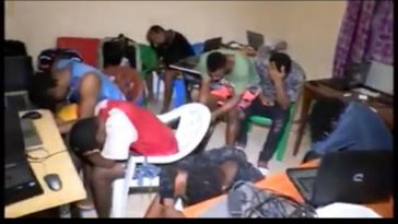 Police Arrests 49 Nigerian Internet Fraudsters During Midnight Raid In Senegal [Photos/Video] 2