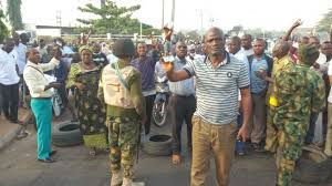 Bayelsa Election: Soldiers Allegedly Protecting APC, Intimidating PDP Members 7