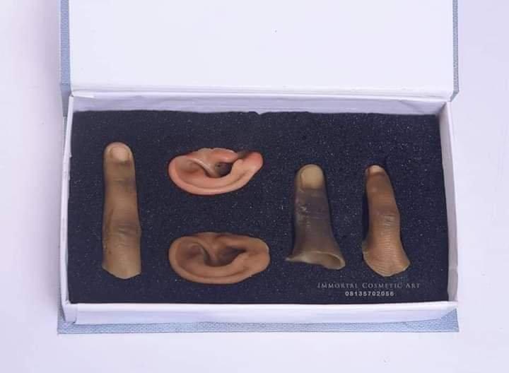 Nigerian Artist, John Amanam Produces Realistic Human Body Parts 2