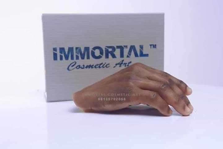 Nigerian Artist, John Amanam Produces Realistic Human Body Parts 4