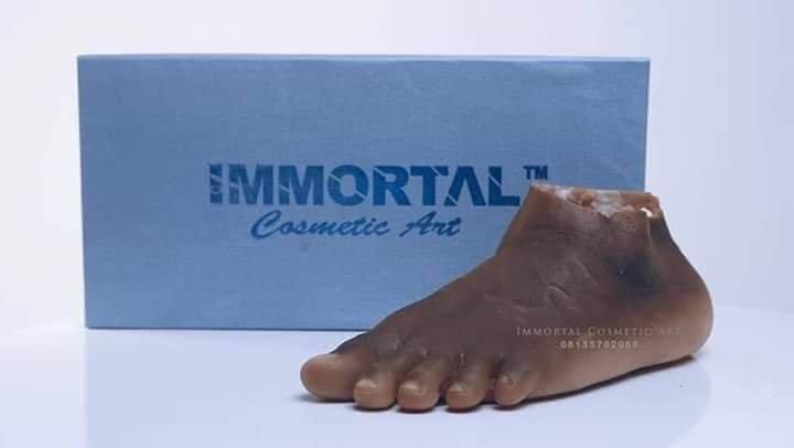 Nigerian Artist, John Amanam Produces Realistic Human Body Parts 3