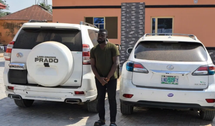 EFCC Storms Yahoo-Boys Den In Lagos, Arrest Kingpin And 26 Other Suspects [Photos] 1