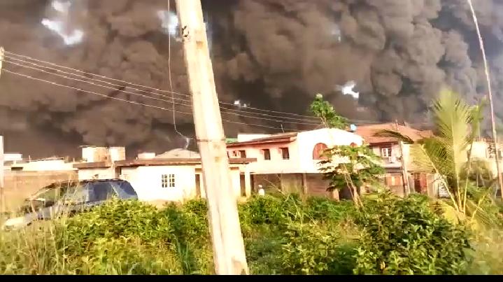 Pipeline Explosion Rocks Gloryland Estate and Diamond Estate Lagos - BREAKING NEWS 3